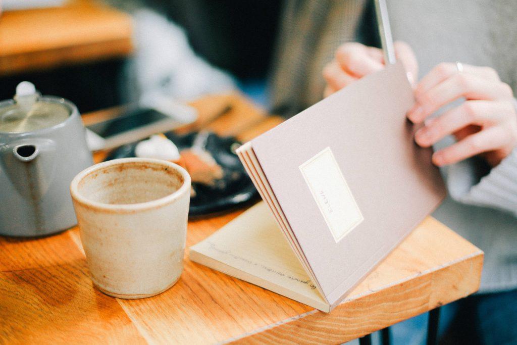 carta e penna per pianificare il business